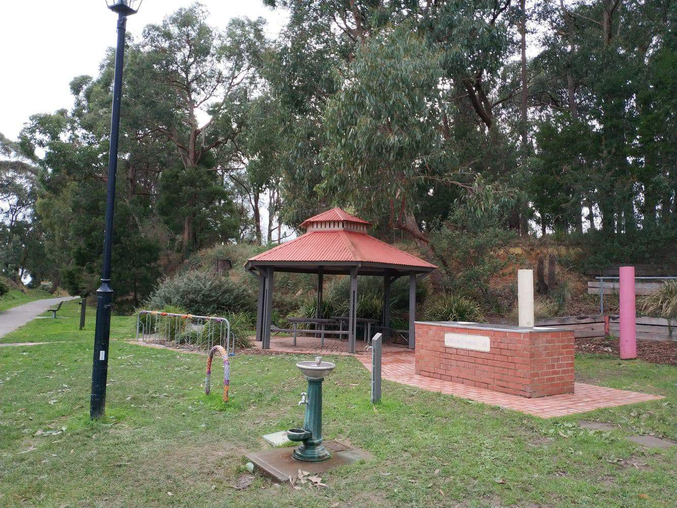 Mount Evelyn Accommodation - Retreats, Rentals & Bed & Breakfasts, VIC