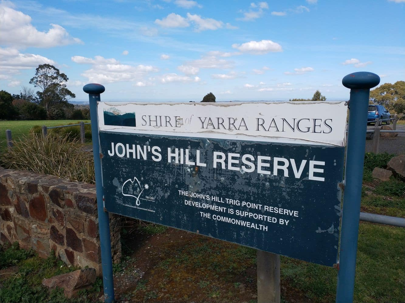 Johns Hill Reserve Lookout 04