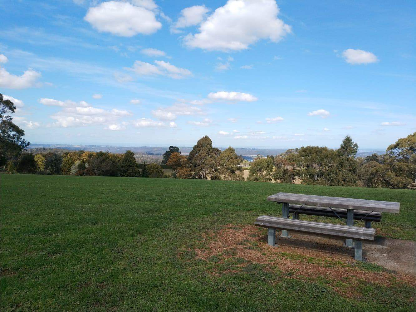 Johns Hill Reserve Lookout 09