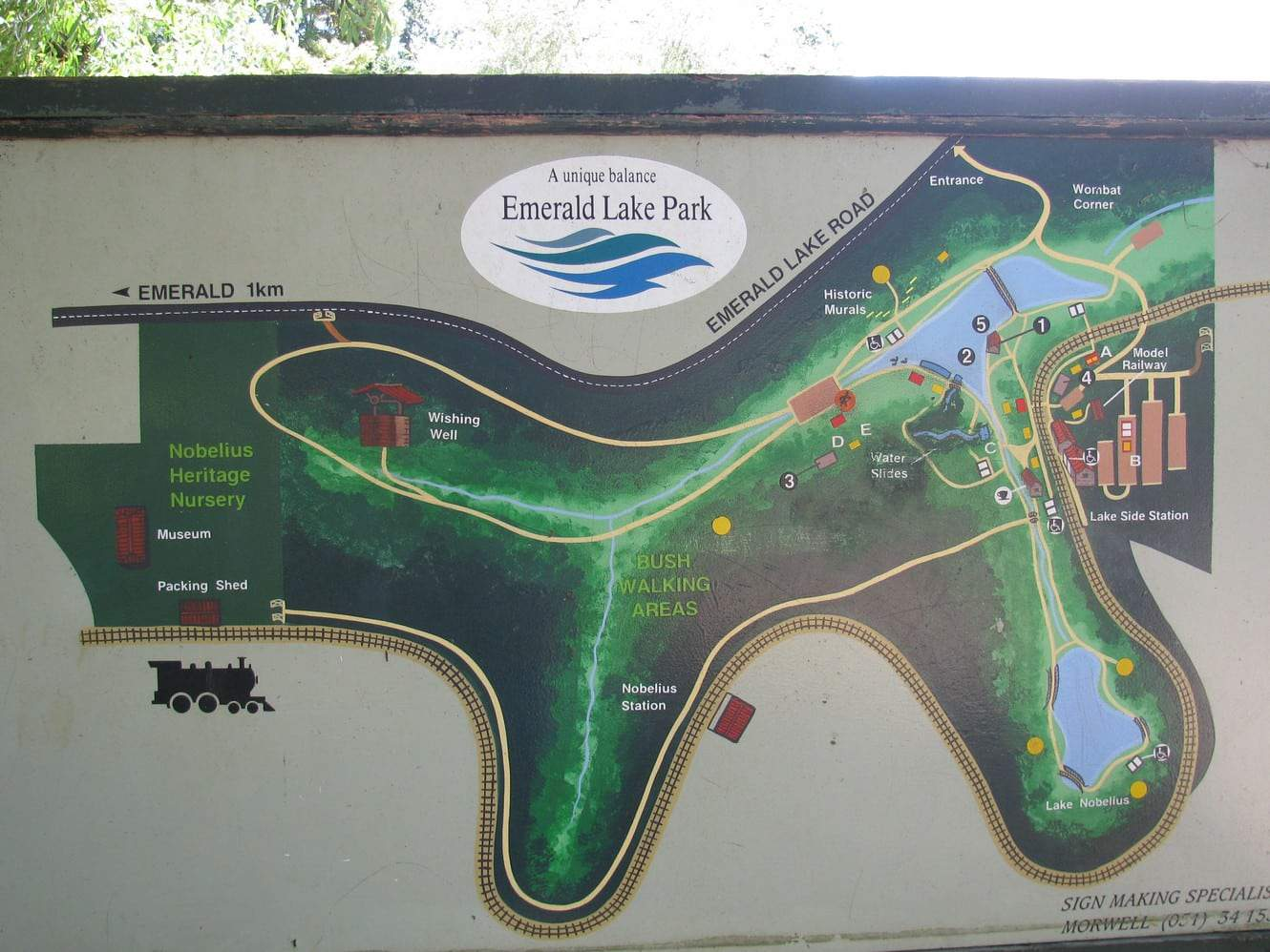 Emerald Lake Park Cafe Map Pool Bbq Amp Fishing Melbourne Victoria
